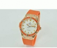 HUBLOT ウブロ スーパーコピー クラシックフュージョン 時計 ダイヤベゼル 女性用腕時計 オレンジ ウォッチ ゴールド 生活防水_品質保証