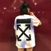 海外最新モデル!オフホワイト半袖新作追加! Tシャツ Off-White