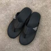 ARMANI メンズ サンダル 今季でもっともトレンディ アルマーニ 靴 コピー ブラック シンプル ロゴ入り コーデ 品質保証