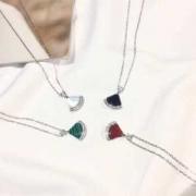 4色可選 ネックレス ブルガリ BVLGARI 甘すぎない可愛さ秋冬コーデ 2019年一番の注目カラーはこれ