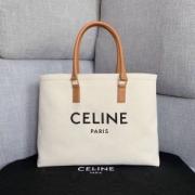 ハンドバッグ  セリーヌCELINE 人気色でおしゃれな大人の定番上品 トレンドを取り入れた2019流行