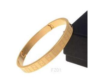艶やかなゴールドFENDI フェンディ コピー 通販レディースバングル ファッション小物