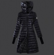 ファッション雑誌に掲示されたMONCLER モンクレール ロングダウンジャケット ブラック_品質保証