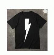 コピーブランドNeil Barrett ニールバレットメンズレディース 半袖Tシャツ ブラック ホワイト コットン フラッシュサンダーデザイン_品質保証