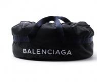 2017新作人気 BALENCIAGA バレンシアガ コピー 激安 ボストンバッグ WHEEL BAG ブラック メンズ 506783 9f91x 1090  ホイール バッグ ロゴ入り