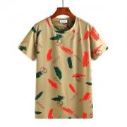 GUCCI Tシャツ 今市隆二  Tシャツ GUCCI ロゴプリント 半袖 ダブルG プリント ブラウン 黒 羽プリント メンズ 驚きの破格値大人気 クルーネック 新作