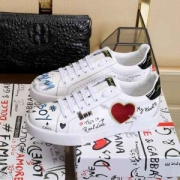 流行アイテム Dolce&Gabbana ドルチェ&ガッバーナ カジュアルシューズ 2019に人気もまだまだ継続しています