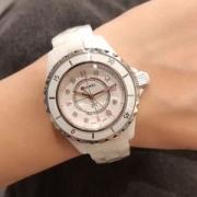 2019魅力的な新作 人気の高さがうかがえ 大人っぽい雰囲気 CHANEL シャネル 腕時計