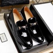 GUCCI グッチ ローファー 履き心地 メンズ 抜群な光沢感で大活躍 コピー ブラック ファッション オフィス 品質保証 コーデ