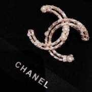シャネル CHANEL ブローチ 今季も流行のチェック柄おすすめ 2019人気トレンド秋冬新作セール